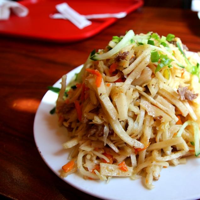 Ruokaa mongolialaisittain