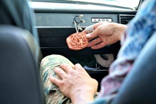 Onnen amuletti liikenteeseen