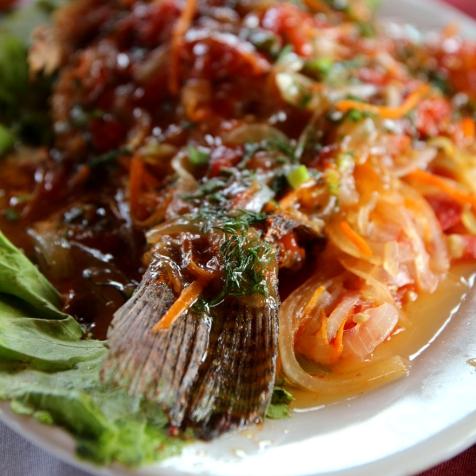 Tuoretta kalaa Vietnamilaisittain