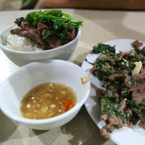Lihaa pinaatilla ja riisiä, Vietnam