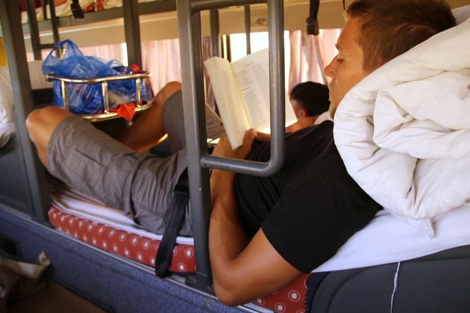 Makuubussissa matkalla kohti Pekingiä