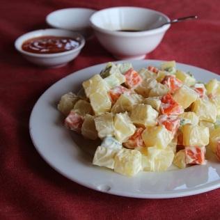 Perunasalaattia Halon Baylla, Vietnamissa