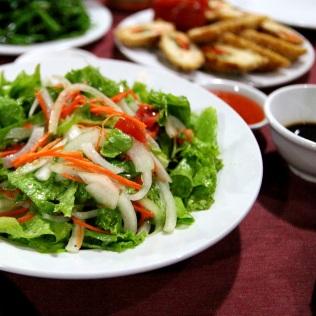 Salaattia Halon Baylla, Vietnamissa