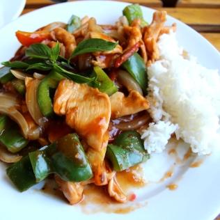 Sweet and sour kanaa länkkäriläisittäin Vietnamissa