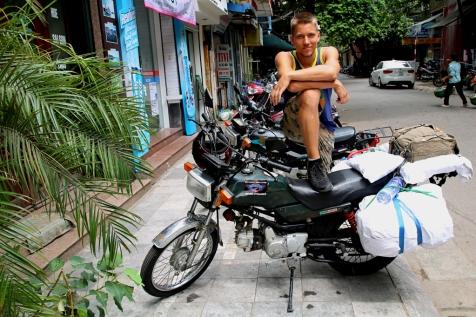 Hanoista lähdössä