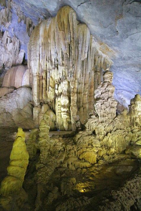 Paratiisi-luolassa