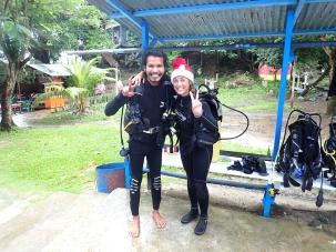 Valmiina lähtöön sukellusopettajan kanssa