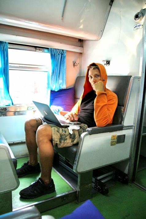 Blogihommia junassa