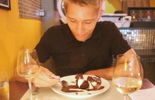 Jälkiruokana suklaakakkua