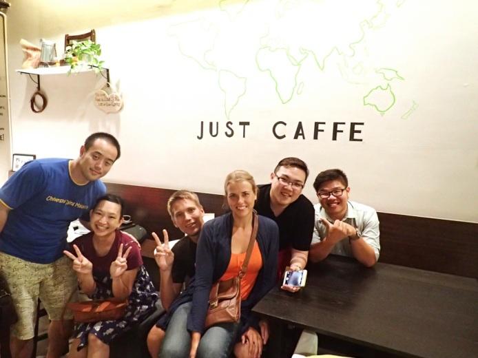 Kaffeella iltasella