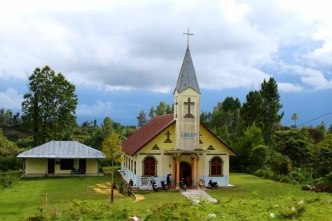 Paikallinen kirkko, Toba-järvi