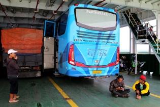 Komia bussi matkalla Denpasariin