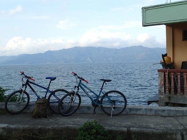 Polkupyöräilyä Toballa