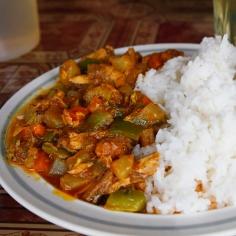 Kalakarria ja riisiä