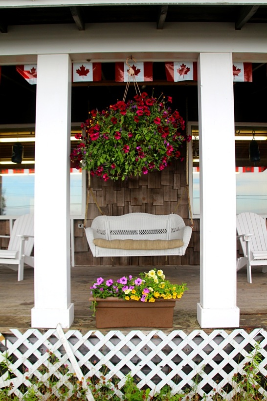Houkutteleva terassi, Jocie's Porch