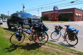 Pyörät parkissa, Machias – Rockland