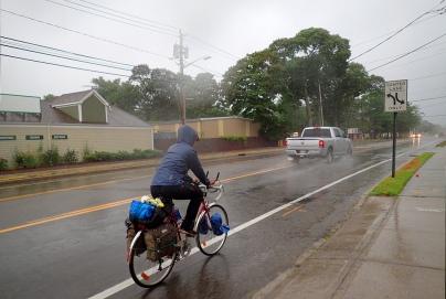 Ja vieläki sataa, Long Island