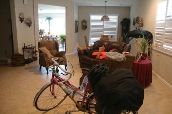 Pyörät olohuoneessa