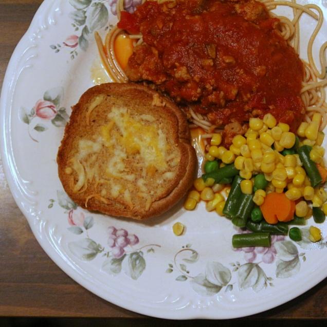 Spagettia ja tomaattikastiketta, Toddin luona
