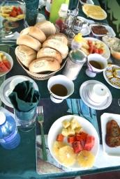 Aamiaspöytä Playa Largolla