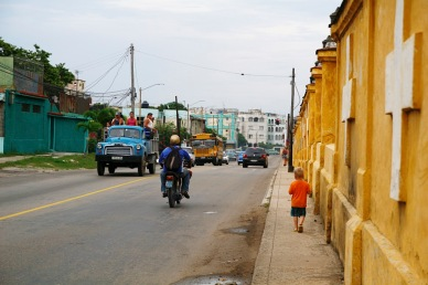 Hautausmaan reunustaa, Havanna
