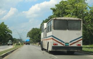 Ihmistenkuljetusauto