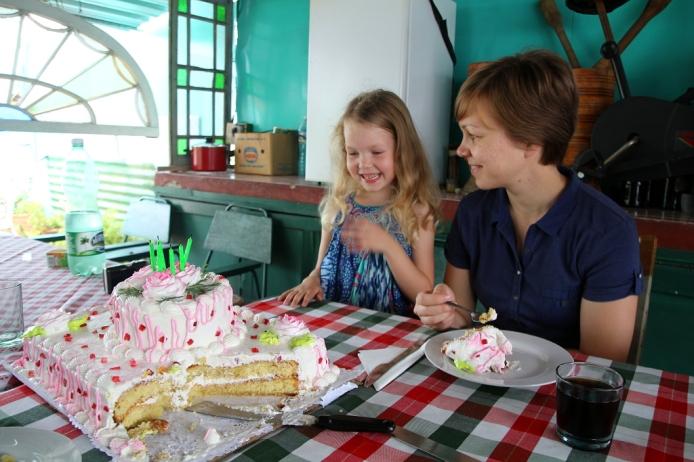 Viiden hengen kakku