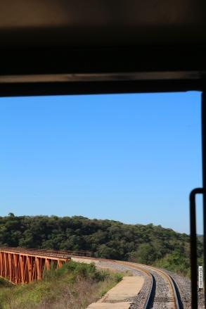 Mielettömiä siltoja