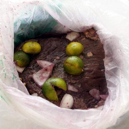 Liha maustettuna