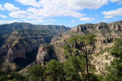 Kanjonin kupeessa