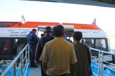 Pelastusveneeseen mars