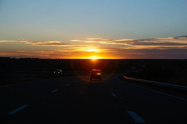 Auringonlaskuun ratsastetaan