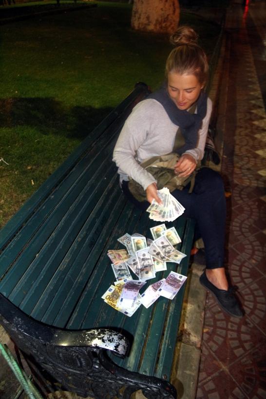 Rahan laskemista
