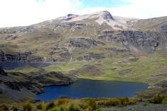 Vuorten varjoja