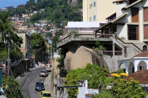 Favelan katuja