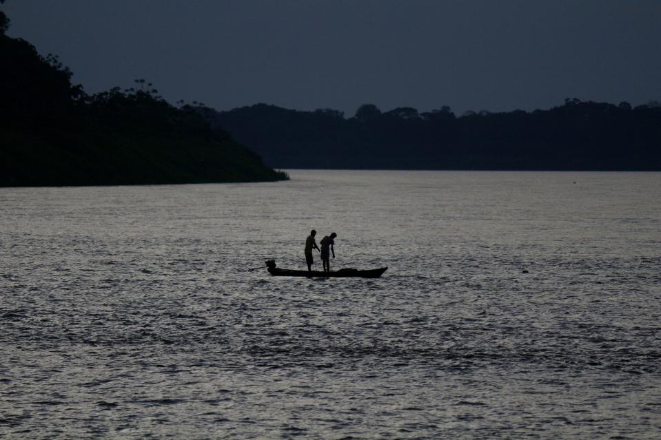 Kalassa Amatsonin illassa