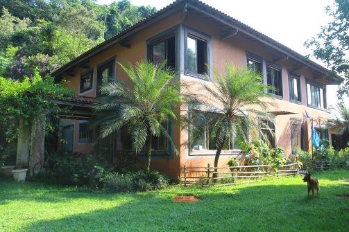 Itse suunniteltu talo
