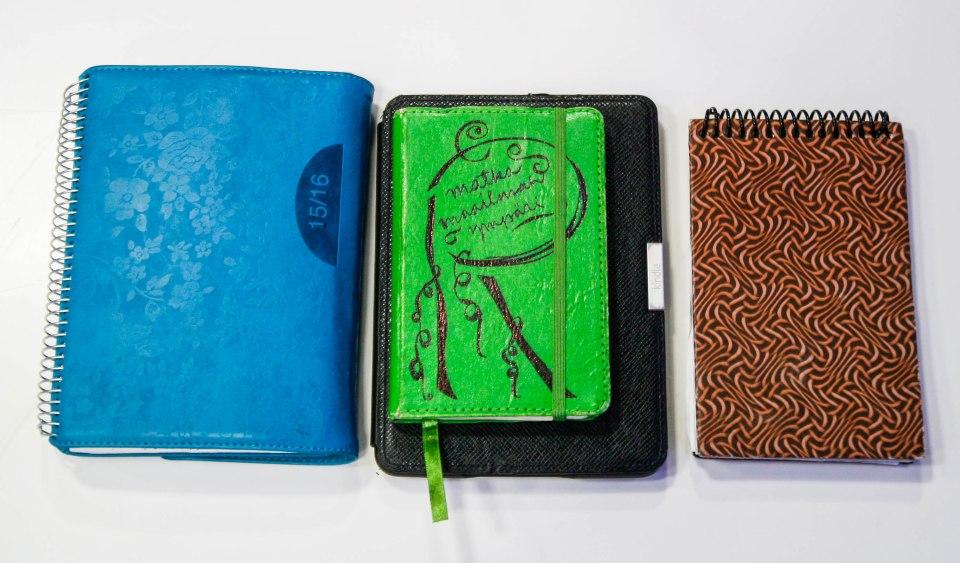 Kalenteri, 2 muistivihkoa ja muistiinpanokirja, Kindle
